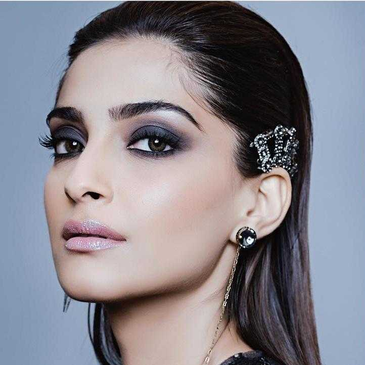 Sonam Kapoor acquires rights for Mahabharata based novel, plans to translate it on 70mm