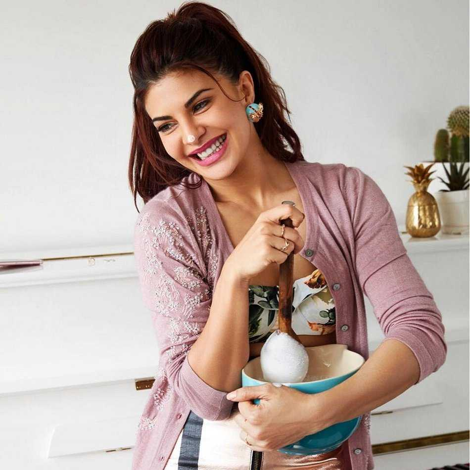 WHAT! Jacqueline Fernandez has been offered 5 crores to star in a Punjabi video