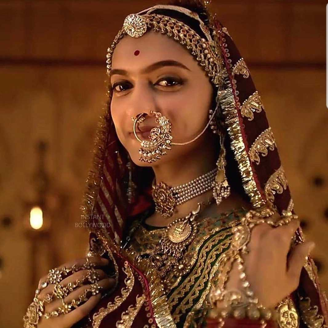 Padmavati A 30 Kg Lehenga Amp 400 Kg Of Gold Went Into The