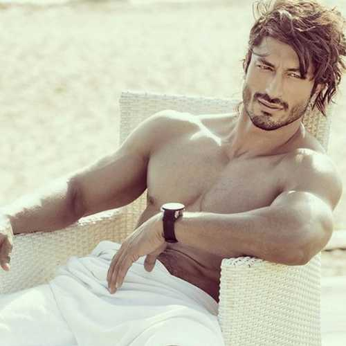 WATCH: Vidyut Jammwal trains like a beast and we can't stop drooling over him